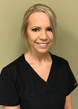 Headshot of dental assistant Nicole
